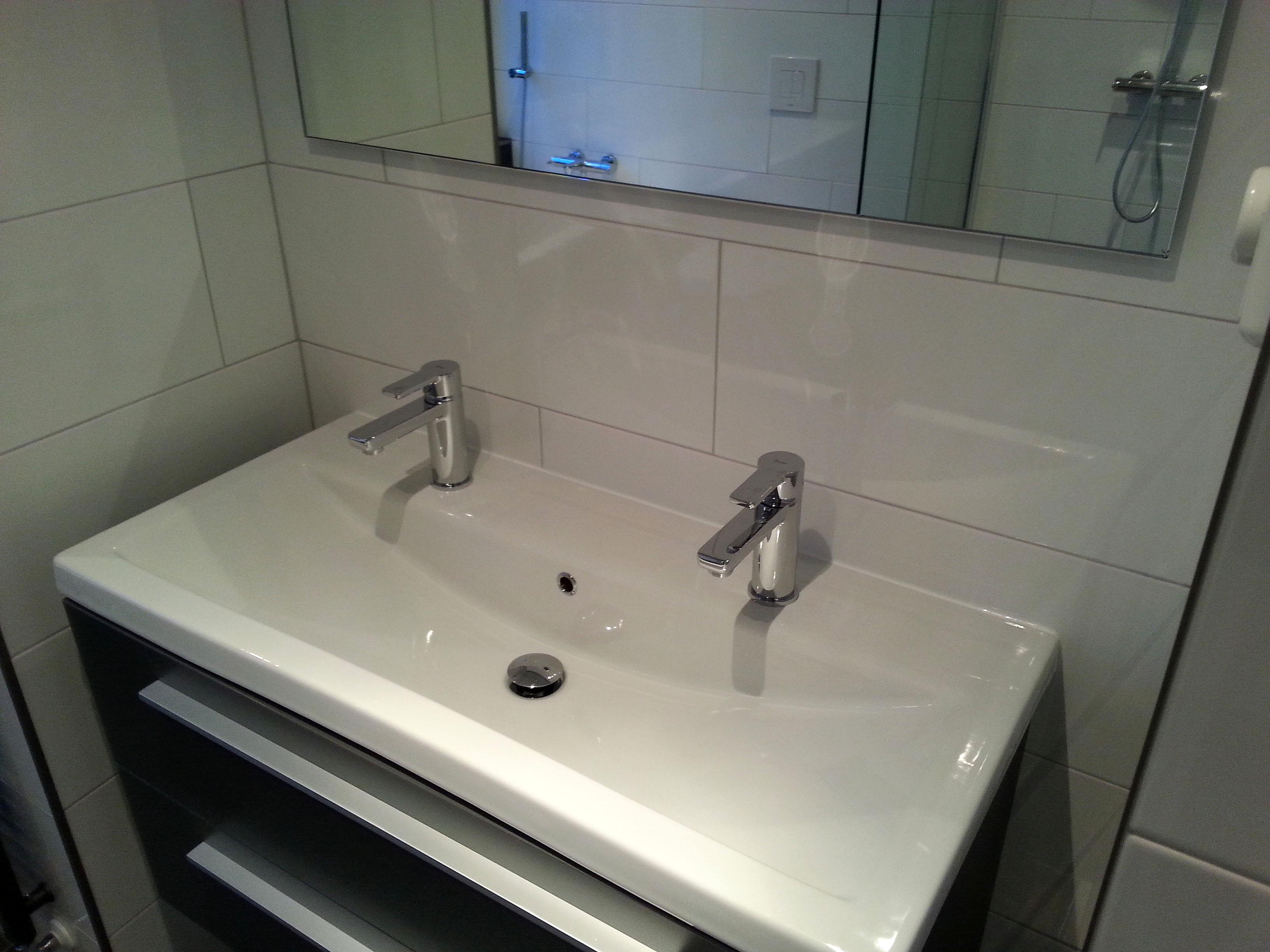 Meer ruimte door nieuwe indeling badkamer - BeterBert klusbedrijf