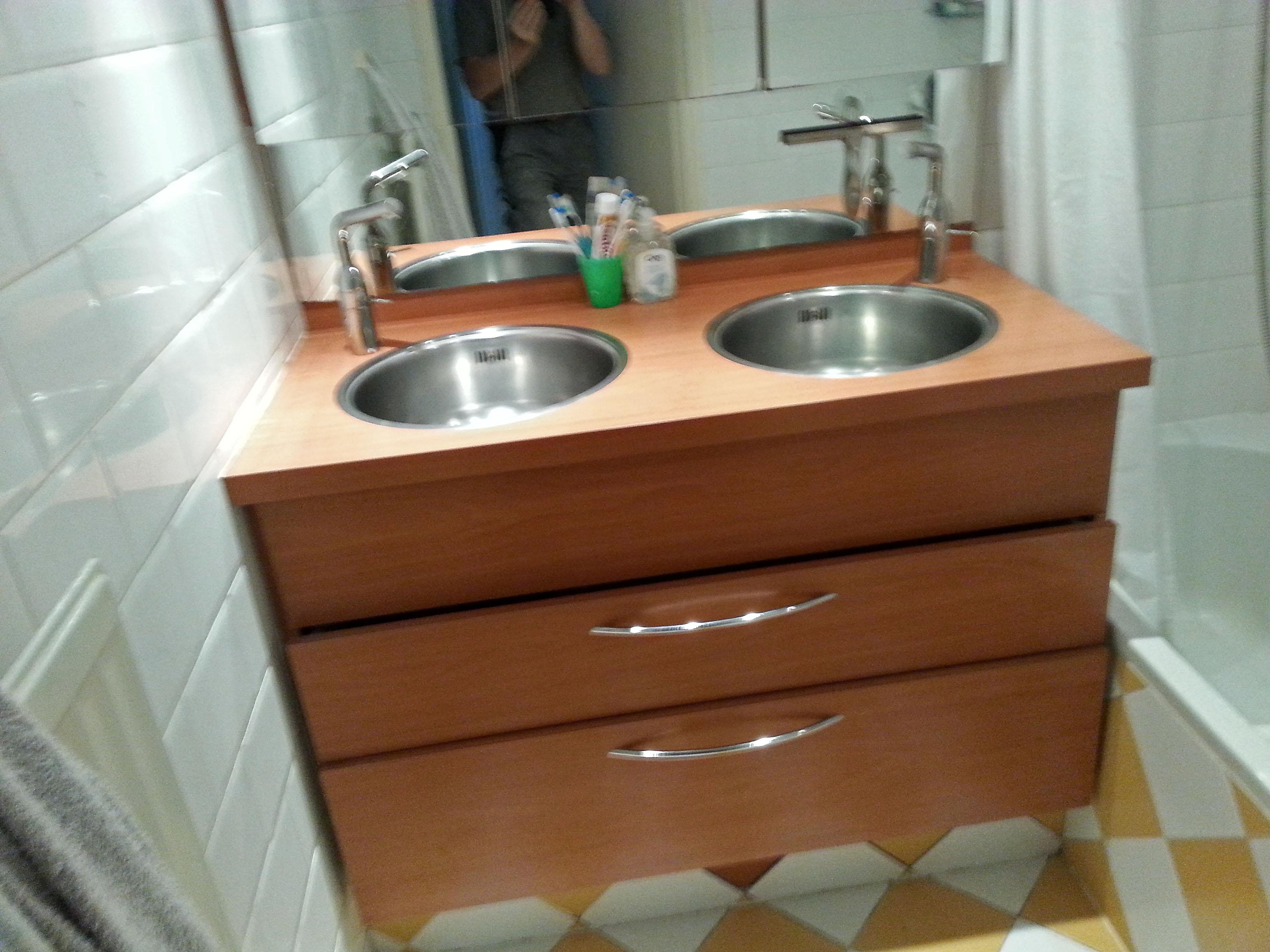 Kleine badkamer grote tegels beterbert klusbedrijf